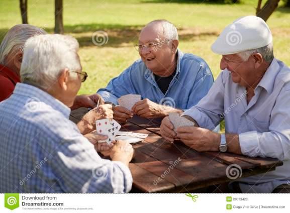 viejos-amigos-en-el-parque-Dreams Time