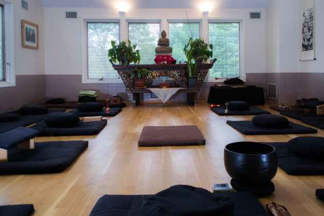 ZEN GARLAND ROHATSU ENLIGHTENMENT SESSHIN-USA