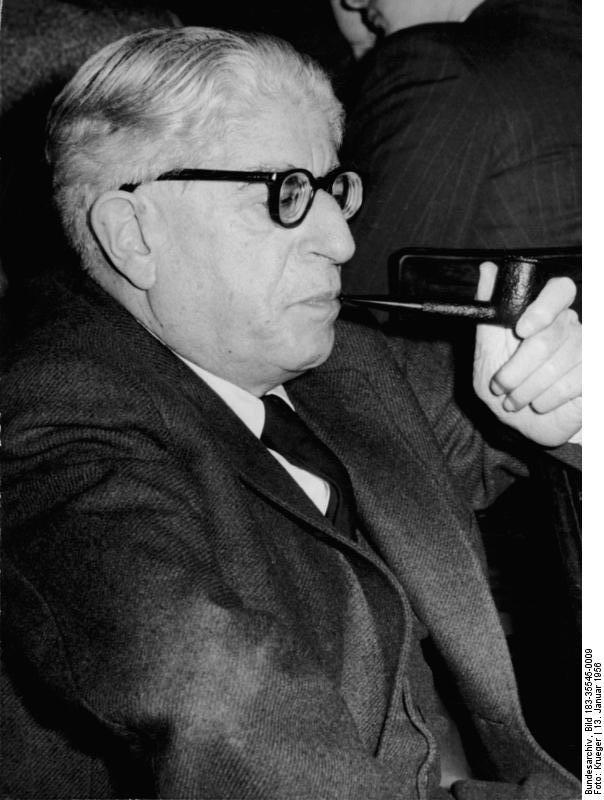 Berlin, Ernst Bloch auf 15. Schriftstellerkongress