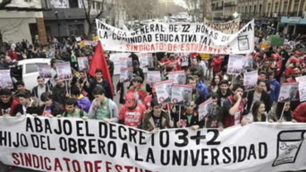 Obreros y estudiantes@LaVanguardia-Web